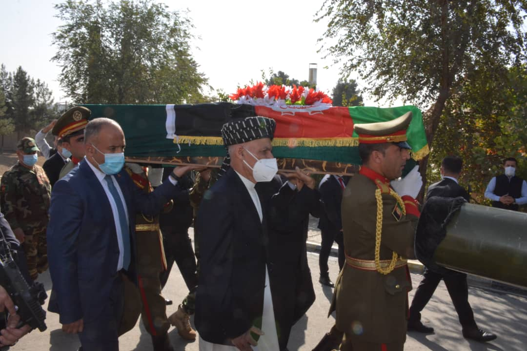 President, senior officials attended funeral of Afghan Air Forces pilots martyred in choppers collision!
